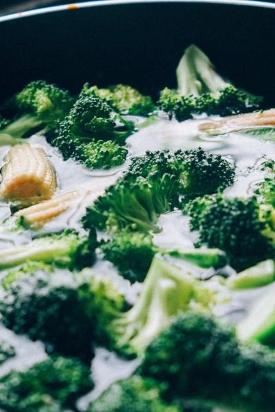 Jak zachować przeciwnowotworowe właściwości brokułów