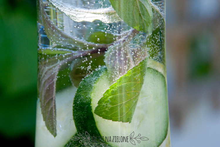 Woda smakowa – dla tych co nie lubią pić wody