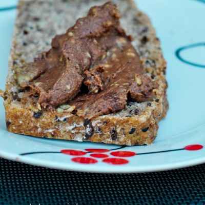 Krem do chleba: czekolada + orzechy + awokado
