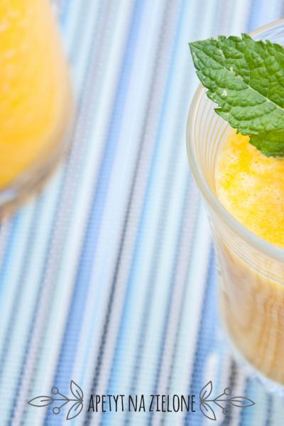 Koktajl z pomarańczą i cytryną